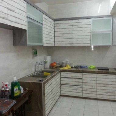Kitchen 8 ( real)